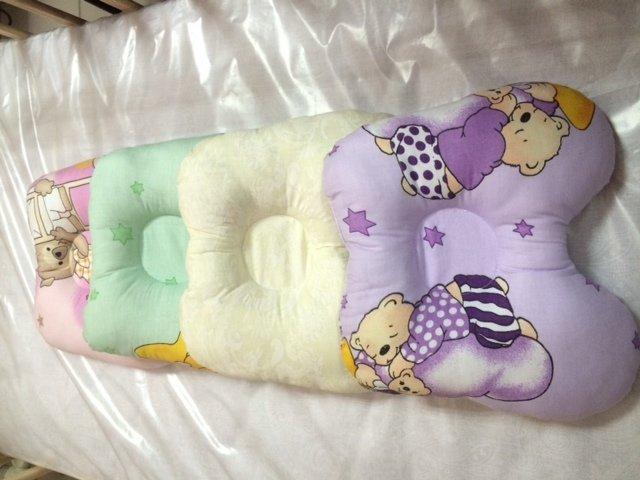 Как сделать ортопедическую подушку для новорожденного