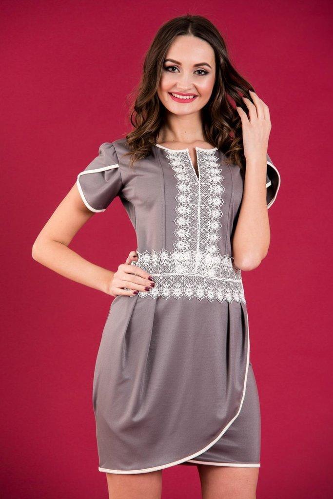Платье нарядное короткое