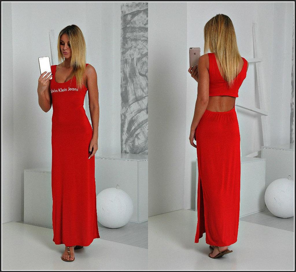 Смотреть платья с открытой спиной