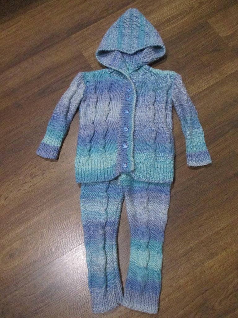 Вязание теплые костюмы для девочки 749