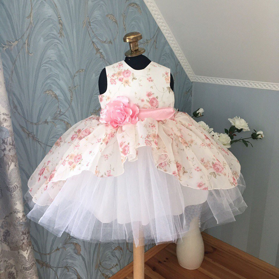Пышное платье на годик девочке сшить 16
