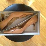 Элегантные бежевые туфли, кожа, как новые Италия