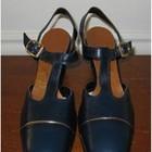 красивые кожаные босоножки на узкую ногу 40р. по стельке 26, 5см
