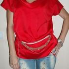 Яркая красная блузка, очень красивая