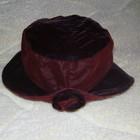 Бархатная шапочка с розочкой.