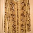 Нарядная блуза со змеиным принтом