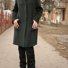 Пальто оригинальное тёмно-зелёное, строгого покроя, воротник-стоечка