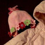 Шапочка с цветами Next на Ог- 46-49см. Демисезонная, красивая шапка для девочки.