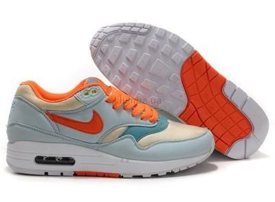 843e0aa2 Женские кроссовки Nike Air Max 87 светлые с оранжевыми шнурками ...