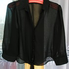 Снизила цену Коротенькая стильная черная шифоновая блузочка на пуговичках.