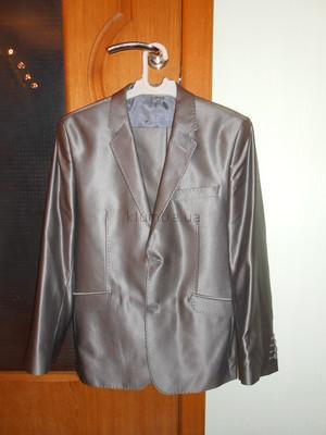 Шикарный костюм можно в школу