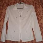 Продам дешево новую белую блузку на замочке