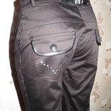 Красивенные и мега стильные женские зауженные брюки на замочках RB PACINI р.S
