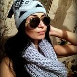 Стильный вязаный голубой шарф и шапка