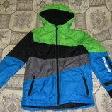 Теплая куртка лыжная куртка в идеальном состоянии на рост 146-158