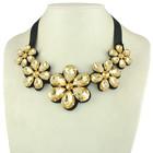 Ожерелье с крупными кристаллами.