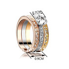 Кольцо с кристаллами Swarovski.