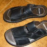 Фирменные кожаные босоножки, шлепанцы 36 и 39-40 размер