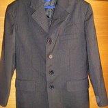 Школьный черный пиджак, брюки Англия на мальчика, рост 122 - 128, жилет в подарок