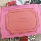 Розовая тканевая косметичка от Givenchy в наличии.