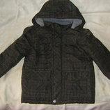 Фирменная теплая куртка осень-зима, в треугольники 122 и Дино Тополино 92 - 104 см