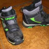 Непромокаемые крепкие, новенькие кожаные ботинки Leolo 20,5 и 21,5 см