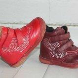 Ботиночки Шалунишка для девочки р 20-22 Новые.в наличии красные и бордовые.
