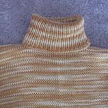 Продам свитер для девочки 9-10 лет.