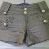 Серебристые шорты, бедра до 95 см