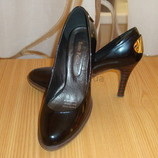 Срочно 200 грн Продам оригинальные туфли