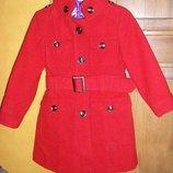 Красное пальто Yоng demention на девочку 104 -116 см