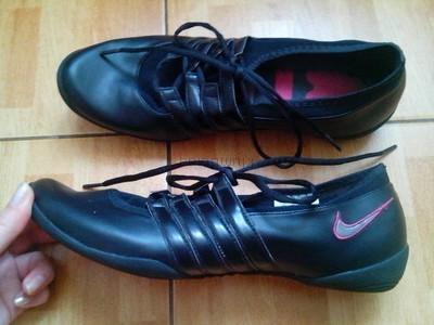 Фирменная обувь Стильные кроссовки. Размер 42, стелька 26,5 см.