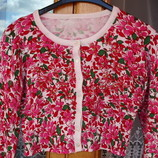 Классная короткая кофточка- болеро с длинным рукавом в розовые цветы