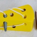 Деревянная игрушка Шнуровка сыр с мышкой