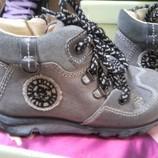новые кожаные ботинки Primigi размер 21