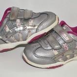 Туфли кроссовки Clarks с мигалками р. 4,5G по стельке 13,5 см. Натуральная кожа.