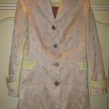 Красивое весеннее пальто 48 размера
