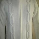 Весенняя белая мужская кофта