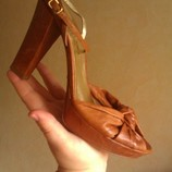 Красивенные новые кожаные босоножки MISTERO Италия Оригинал 40 26см