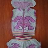 Симпатичный велюровый костюмчик Befix для девочки