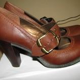Нові Стильні шкіряні туфлі Sole Reviver Оригінал Англія р.40 стелька 26 см