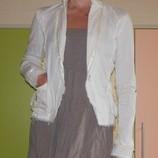 Жакет, пиджак молочный С-ка Италия.