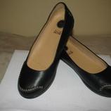 Нові Стильні шкіряні туфлі CLARKS active AIR Оригінал Німеччина р.6 стелька 25,5 см