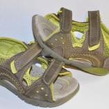 Clarks p. 4,5 стелька 13 см. Босоножки сандалии Натуральная кожа.