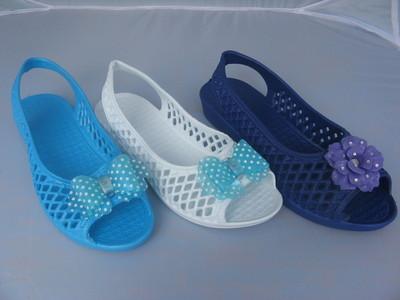 Классная пляжная обувь три расцветки в наличии все размера