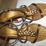 Босоніжки стильні шикарні PERTU Бразилія Оригінал р.39 стелька 24,5 см