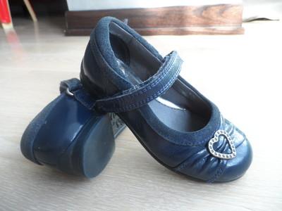 Продам туфли балетки для девочки Clark's кожаные синие 15,5 стелька