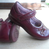 Продам туфли балетки 16 см кожаные Clark's темно красные мигают