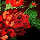 Старовинна вишивка для картини на чорному полотні букет Роз