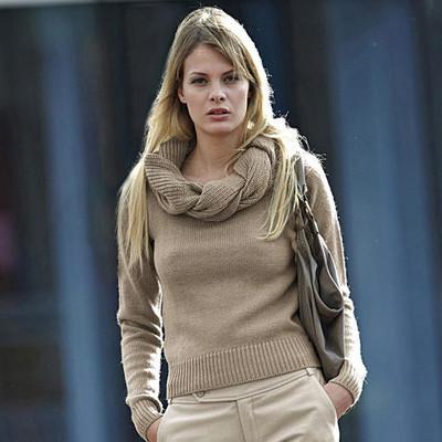 свитер с хомутом женский спицами